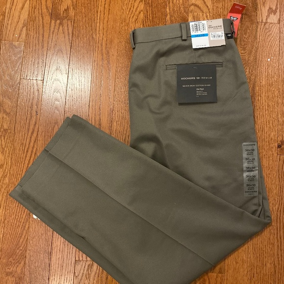 Dockers Other - NWT Dockers Never-Iron Cotton Khaki Flat Front 36